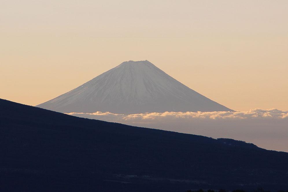 霧ヶ峰高原から見る富士山