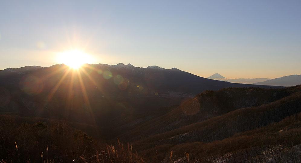 霧ヶ峰高原から見る初日の出